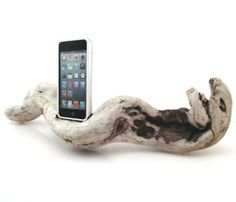 Driftwood iPhone 5 Dock - I think I could DiY this