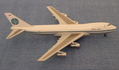 Dragon Wings 1:400 scale model of Pan Am's first 747 tail number N747PA Clipper Young America.