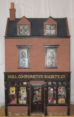 A Second World War Cooperative Shop by Linda Holmes - Dolls' Houses Past & Present