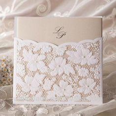 Blanco de encaje de la boda tarjeta de invitación invitación de la boda con…