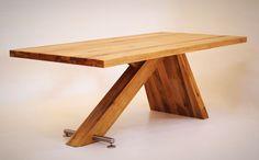 Moderner Esstisch - Naturnah Möbel - Moderne Massivholzmöbel