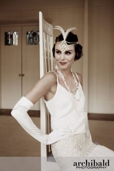 white cami & lace skirt = 1920's flapper