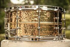 #SnaredrumfreakzArsenal #StayBrokeCollectDrums #StayBrokeCollectDrumsDay4 . . @officialludwigdrums @ludwig.drums.hq  Supraphonic Bronze Hand Hammered 14x65. I DO love their black beauties. But to be honest this one WINS! She has all BB's qualities PLUS more warmth pleasant rings and broader tuning range IMHO! :) if you have one or ever played one before tell me what you think about her! :) . . #Drums #drumsofinstagram  #Drumming #DrumPorn #SnarePorn #Drumset #SnareDrum #SnareDrumPorn…