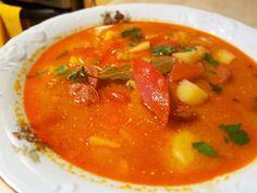 Zupa fasolowa z chorizo i grilowaną papryką