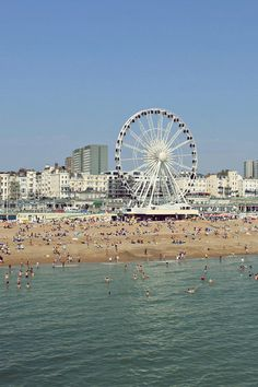 I really want to spend a weekend in this city. Brighton Beach Uk, Places To See, Places Ive Been, Uk Beaches, British Seaside, England Uk, Future Travel, Adventure Awaits, Great Britain