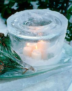 Dazzling outdoor ice lantern... perfect to line the walkway to the event.