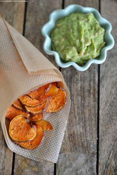Süßkartoffelchips mit Guacamole