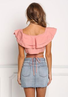 Go for a voluminous look! A trendsetting cropped blouse featuring a ruffle layered bodice. Complete your look with denim bottoms, a deli Wide Leg Pants Outfit Summer, Summer Pants Outfits, Crop Top Outfits, Spring Outfits, Casual Outfits, Strappy Crop Top, Girl Fashion, Fashion Outfits, Sexy Skirt