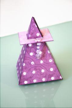 Caja-Tarjeta pirámide