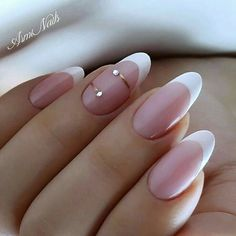 Atypische Maniküre, Best Picture For beach wedding nails For Your Taste You are looking for something, and it is going to tell you exactly what you are looking for, and you didn't Trendy Nail Art, Stylish Nails, French Nails, Cute Nails, Pretty Nails, Hair And Nails, My Nails, Short Fake Nails, Glamour Nails