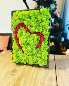 Heart decoration frame with preserved reindeer moss Moss Wall Art, Moss Art, Backdrop Decorations, Heart Decorations, Moss Decor, Moss Garden, Diy Art Projects, Heart Frame, Handmade Home