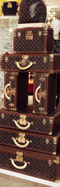 Louis Vuitton |