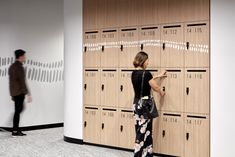Baayangali integrated Indigenous design for Ausgrid by Lucy Simpson of Gaawaa Miyay in Sydney Australia. Collaboration with GroupGSA. Image by Luc Rémond Office Lockers, Energy Providers, Gym Interior, Co Working, Environmental Graphics, Holistic Approach, Storage Design, Built Environment, Office Interiors