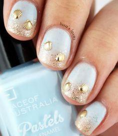 White and Gold Nail Art Design