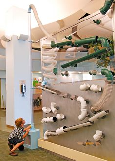 34 the comfortable kids room ideas for boys and girls 2020 12 Kids Play Spaces, Learning Spaces, Playground Design, Indoor Playground, Design D'espace Public, Kindergarten Design, Kids Cafe, Interactive Walls, Play Houses