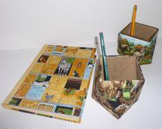 carnet et pots à crayons