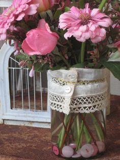 Cute button vase