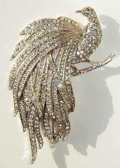 Peacock Art Deco Brooch / Pin in Rhinestones.@FrancenePerel: Vintage 1930's