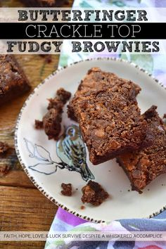 Butterfinger Crackle Top Fudgy Brownies - I'm not quite sure just how one itty bitty candy bar can turn simple homemade brownies into something so amazingly delicious, however, when it comes to these Butterfinger Crackle Top Fudgy Brownies, that itty bitty Butterfinger candy bar is definitely a miracle worker. It almost magically gives these brownies a lovely crackly top, while also making them chewy, fudgy, chocolatey, and just a wee touch salty all at the same time. When it comes to homemade, Sour Cream Chocolate Cake, Dark Chocolate Candy, Delicious Dinner Recipes, Great Recipes, Yummy Food, Homemade Brownies, Fudgy Brownies, Brownie Ingredients, Rich Recipe