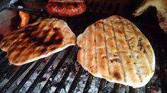 Receta: Tortilla a la parrilla, ideal para aprovechar el fuego del asado Torta Asada, Bbq Grill, Grilling, Tortilla Pan, Chimichanga, Bread Machine Recipes, Empanadas, My Recipes, Roast