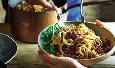 Joe Wicks, part two: Carmela's spaghetti bolognese Spaghetti Bolognese, Healthy Eating Recipes, Healthy Cooking, Joe Wicks Recipes, Cooking On A Budget, Delicious Dinner Recipes, Daily Meals, Ground Beef Recipes, Skinny