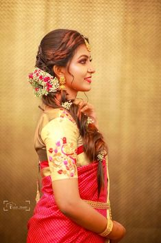 Bridal Hairstyle for Long Hair Bridal Wedding Hairstyle, Mehendi Hairstyle. Framing Photography, Candid Photography, Photography Portfolio, Wedding Photography, Indian Bridal Hairstyles, Bun Hairstyles, Hairstyle Wedding, Photography Packaging, Work Looks