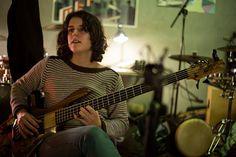 """#POP #FOLK #MUSICA #CROWDFUNDING - Agnès Grau del PezPsiquiatra. Grabación del primer disco del PezPsiquiatra, """"La Gravedad del Asunto"""". Once temas propios de estilo caliu-pop-folk grabados como se merecen. Crowdfunding Verkami: http://www.verkami.com/projects/11443-primer-disco-de-el-pezpsiquiatra"""