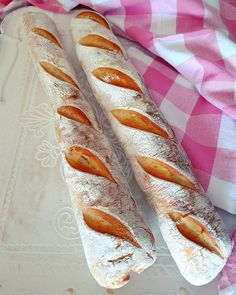 Baguettes D´Provence :: Bella-cooks-and-travels Hot Dog Buns, Hot Dogs, Bakery, Bread, Cooking, Provence, Food, Bread Baking, Amazing
