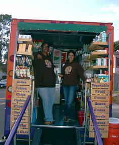 USA - California (Oakland) - The People's Grocery: Bringing Healthy Food to Low-Income Neighborhoods Mobile Boutique, Mobile Shop, Organic Food Shop, Food Truck Design, Food Insecurity, Healthy Food, Healthy Recipes, Market Stalls, Farm Stand