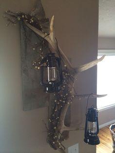 Made by my boyfriend for Christmas, I love it! Shed Antlers, Elk Antlers, Shed Decor, Diy Home Decor, Elk Horns, Deer Antler Crafts, Lodge Bedroom, Wood Shop Projects, Barn Wood Crafts