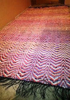Kirkonkaari räsymatto 4 kg 200x96 Rya Rug, Weaving Patterns, Recycled Fabric, Korn, Woven Rug, Scandinavian Style, Pattern Design, Rugs, Home Decor