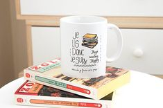le Mug je lis donc je suis, mug lecture, cadeau livre addicts, passion lecture Artisanal, Mugs, Reading, Etsy, Tableware, Passion, Little Gifts, Handmade Gifts, Eat