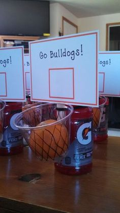 ideas basket ball team snacks treats for 2019 Cheer Gifts, Sports Gifts, Sports Mom, Team Gifts, Diy Gifts, Softball Gifts, Team Snacks, Sport Snacks, Basketball Crafts