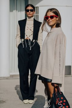 Street style inspiration from Oslo Fushion Festival spring/summer 2020 Oslo Fashion Week has rebranded as the Oslo Fushion Festival for spring/summer and Vogue photographer Jepsen is there to capture the best Scandi-cool street style. Italian Street Style, Street Style New York, European Street Style, Rihanna Street Style, Looks Street Style, Cool Street Fashion, Looks Style, Italian Street Fashion, Paris Street Style Summer
