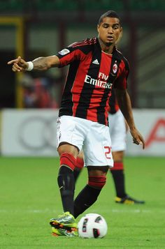 Kevin-Prince Boateng almost rescued a point for Milan in stoppage time but his effort crashed off the right post.