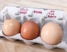 I Tested Out Popular Tricks To Make Hard-Boiled Eggs Easier To Peel - - Here's what worked and what (definitely) didn't. Baked Hard Boiled Eggs, Hard Boiled Egg Cooker, Peeling Boiled Eggs, Hard Boiled Egg Recipes, Cooking Hard Boiled Eggs, Soft Boiled Eggs, Perfect Hard Boiled Eggs, Perfect Eggs, Egg Test