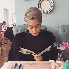 Chic Ways to Wear Turban Hijab in Style Muslim Fashion, Hijab Fashion, Turban Fashion, Head Scarf Styles, Hair Styles, Turban Mode, Head Wrap Scarf, Hijab Tutorial, Turban Tutorial