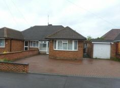 3 Bedroom, 1 Bathroom £235,000 freehold bungalow in the Leagrave area of Luton, Bedfordshire (LU4). Contact us on 01582 458308 for all of the details!