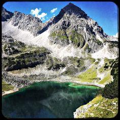 Peaceful Dragon lake. #soultravels #outdoorgirl #adventuregirl #mindful #munichandthemountains