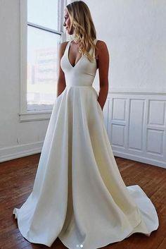 Plain Wedding Dress, Open Back Wedding Dress, Wedding Dress With Pockets, Top Wedding Dresses, Wedding Dress Chiffon, Wedding Dress Trends, Bridal Dresses, Ivory Wedding, Formal Wedding