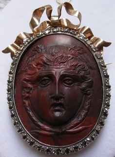 Gorgon Medusa antique cameo made of lava, set in genuine diamonds and 15KT gold. ca 1850/1860 Italy