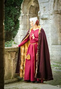 Awesome french lady from the XIII th century.