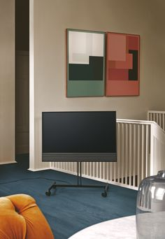 A new form of functional flexibility that entertains you when and where it suits you. Stellar sound and images in a flexible design. Dolby Digital, High End Headphones, Panel Led, Cinema Experience, Bang And Olufsen, Home Cinemas, Timeless Design, Home Deco, Interior Styling