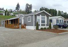 Exterior mobile home remodeling is the other way to make your old exterior mobile home look fresh and new again. Description from mobilehomeideas.com. I searched for this on bing.com/images                                                                                                                                                                                 More Mobile Home Siding, Mobile Home Exteriors, Home Exterior Makeover, Exterior Remodel, Single Wide Remodel, Mobile Home Addition, Single Wide Mobile Homes, Mobile Home Bathrooms, Mobile Home Decorating