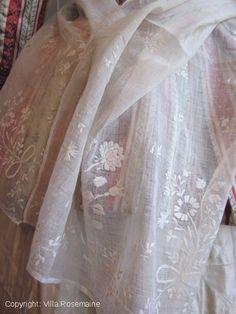 Embroidered white cotton gauze stole, circa 1780/1820, France. Villa Rosemaine