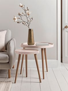 The epitome of elegant Scandi style, our Mila side tables in small and large will add a decorative and practical touch to any room in your home. Each table features a round top with a lipped edge, painted in the perfect shade of blush, and three slender Side Tables Uk, Small Round Side Table, Rustic Side Table, Side Table Decor, Table Decor Living Room, Side Tables Bedroom, Design Living Room, Wooden Side Table, Modern Dining Table