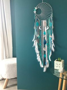 DreamCatcher catcher dreams weaving Sun, turquoise, duck, grey and white giant Attrape rêves dreamcatcher tissage soleil turquoise canard Dream Catcher Patterns, Dream Catcher Decor, Giant Dream Catcher, Making Dream Catchers, Diy Tumblr, Diy And Crafts, Arts And Crafts, Macrame Patterns, Turquoise