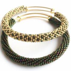Bracciale tubolare rigido Bead crochet bracelet di FeCreazioni