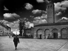 Piazza Sant'ambrogio Milano.