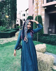 hijaber bening #gayaberjilbab Muslim Fashion, Hijab Fashion, Hijab Tutorial, Hijab Outfit, Outfits, Style, Swag, Suits, Hijabs